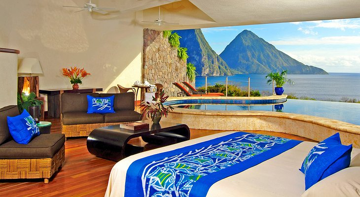 Jade Mountain Resort room with sea view