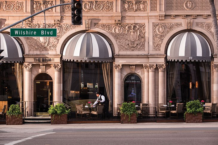 Beverly Wilshire Hotel Café