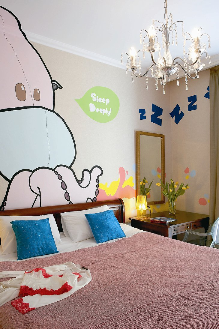 Cartoon giant octopus room