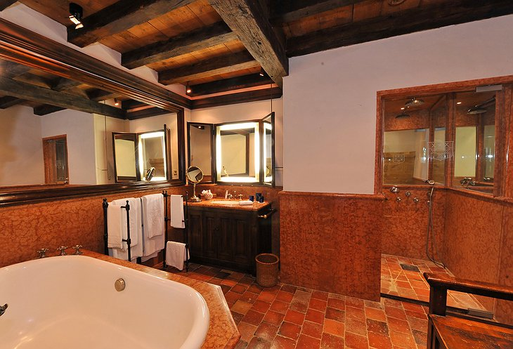 Chateau de Bagnols hotel bathroom