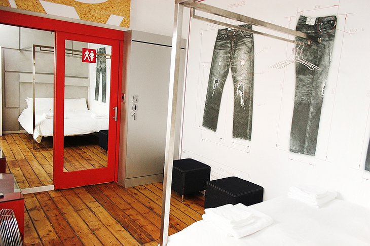 501 Jeans room