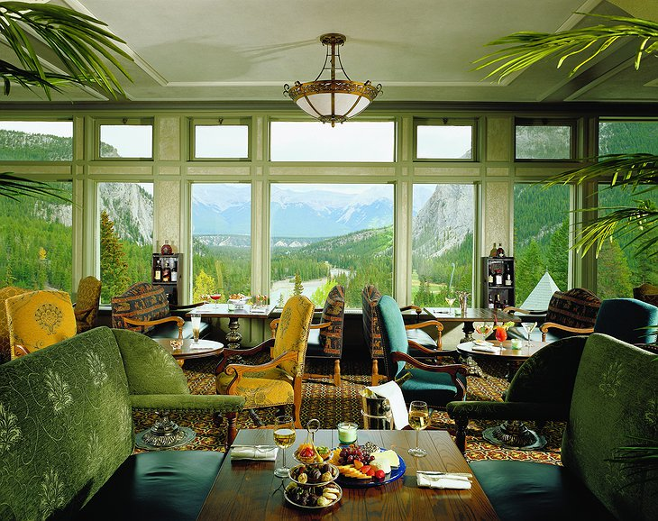 Fairmont Banff Springs Hotel tea room with view on nature