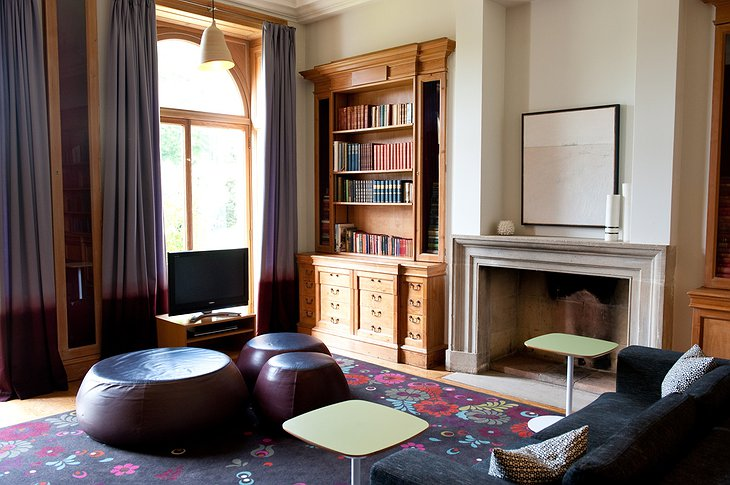 Cowley Manor living room