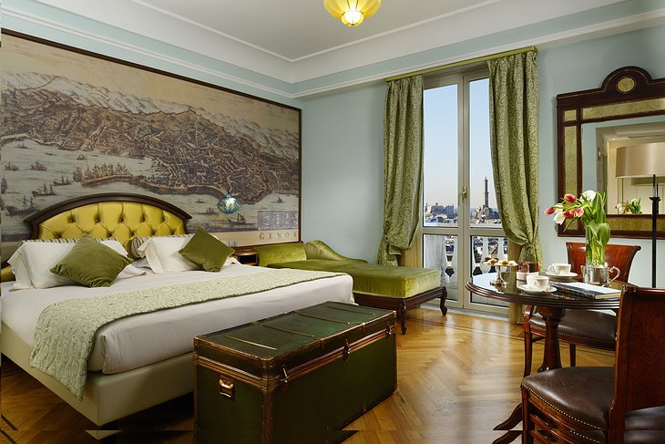 Grand Hotel Savoia Genova bedroom and balcony with panorama on the city