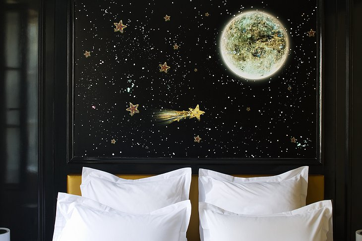 Space art bedroom