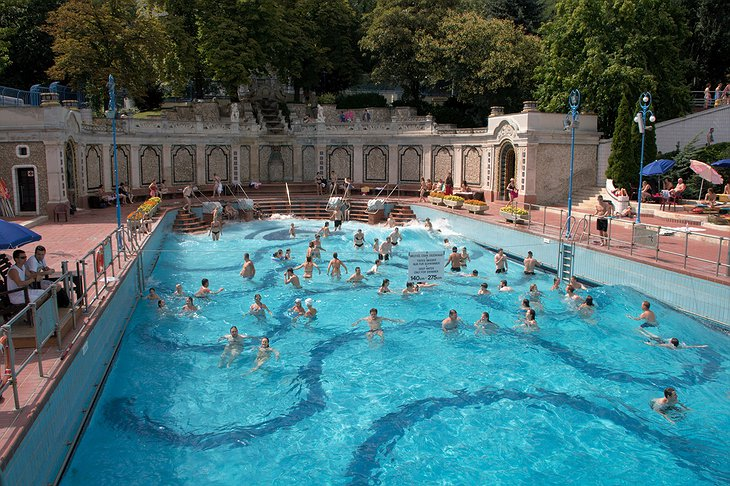 Gellert Spa wave pool