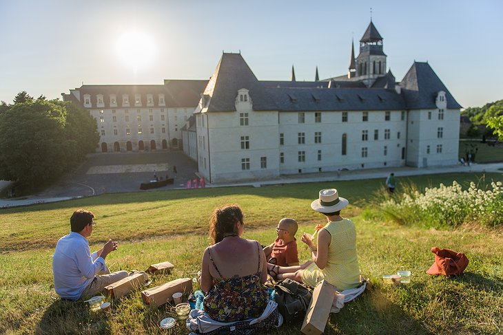 Picnic at the Fontevraud Abbey