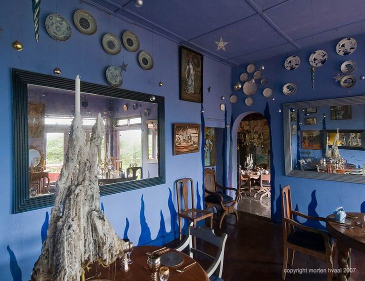 Helga's Folly blue room