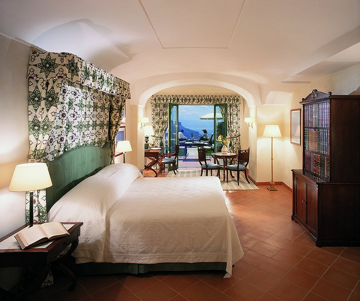 Hotel Caruso bedroom