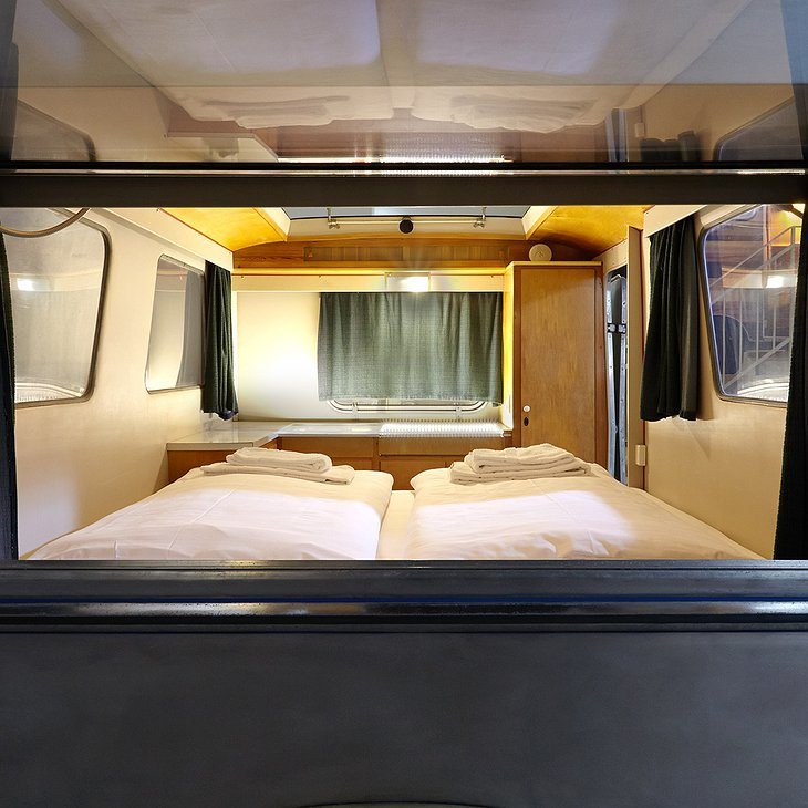 Friedel caravan room